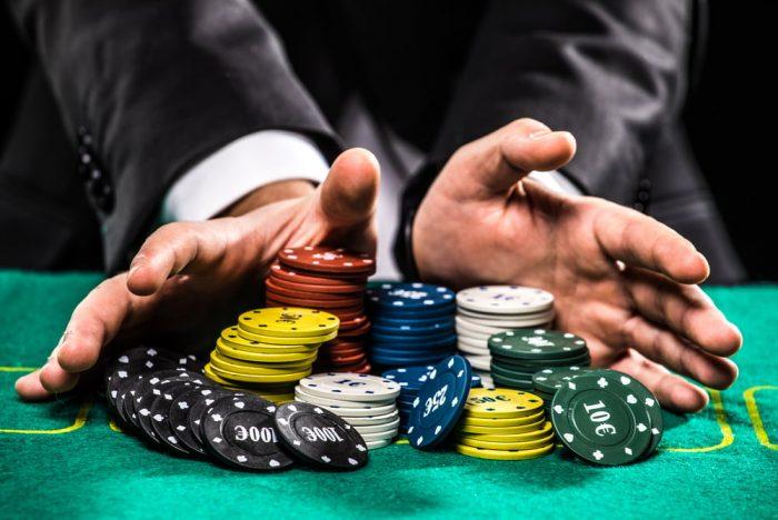Judi Poker Online: Penyebab Terjadinya Pemblokiran Akun yang Sering